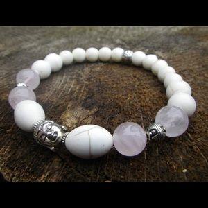 Bracelet in rose quartz and howlite (B208)